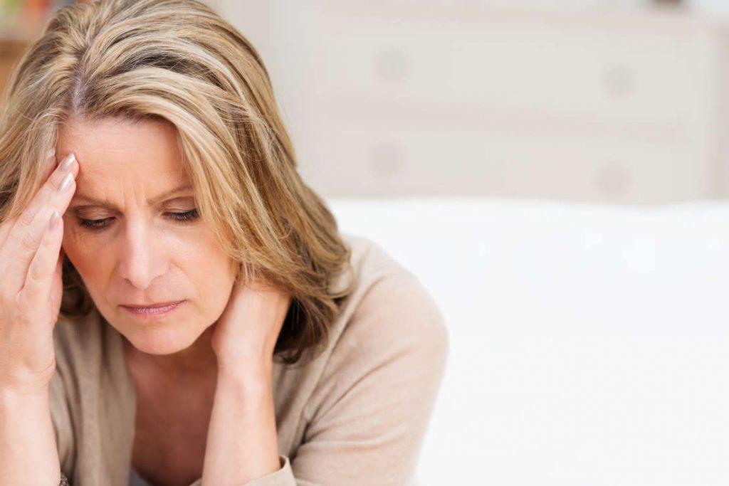 bezsilność, chroniczne napięcie, chroniczne poirytowanie, chroniczne przytłoczenie, chroniczne zmęczenie, chroniczny smutek, ciągłe kłótnie, lęk, lęk przed porzuceniem, lęk przed zranieniem, nawiązanie bliskich relacji, negatywne emocje, niekontrolowana agresja, poczucie braku zrozumienia i wsparcia, poczucie krzywdy, poczucie nieszczęścia, poczucie pustki, poczucie samotności, poczucie zagrożenia, pragnienie bliskości, relacje konfliktowe, relacje niestabilne, rozczarowanie i niepowodzenie, samotność, utrzymanie bliskich relacji, wahania nastroju, zanik intymności